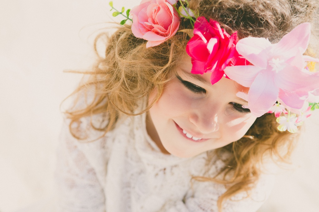 editorial-descalzaporelparque-jimena-kids-fashion-flower-crown-girl