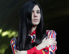 "Entrevista a Javiera Mena en ""Lovely the Mag o8"""