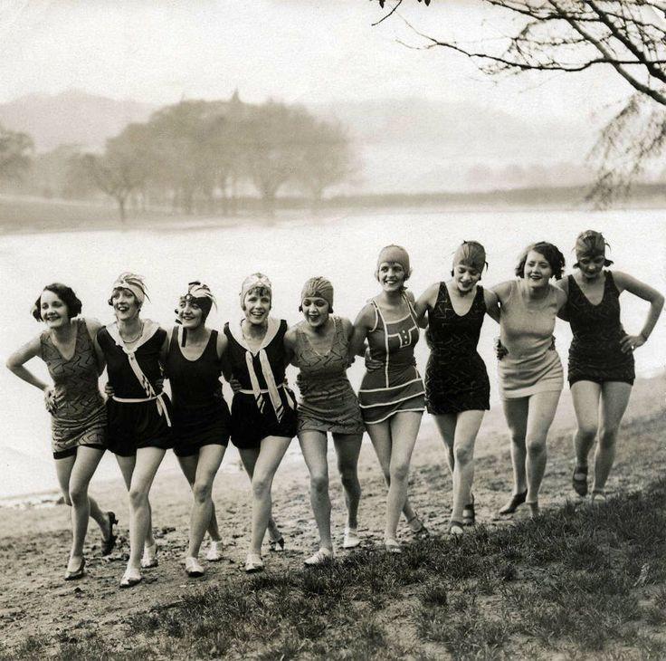 Mujeres  en bañador vintage