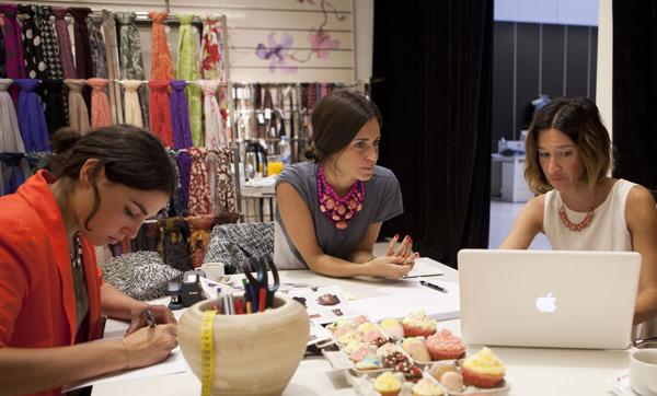 Las bloggers se suman al mundo del diseño para la firmas.-