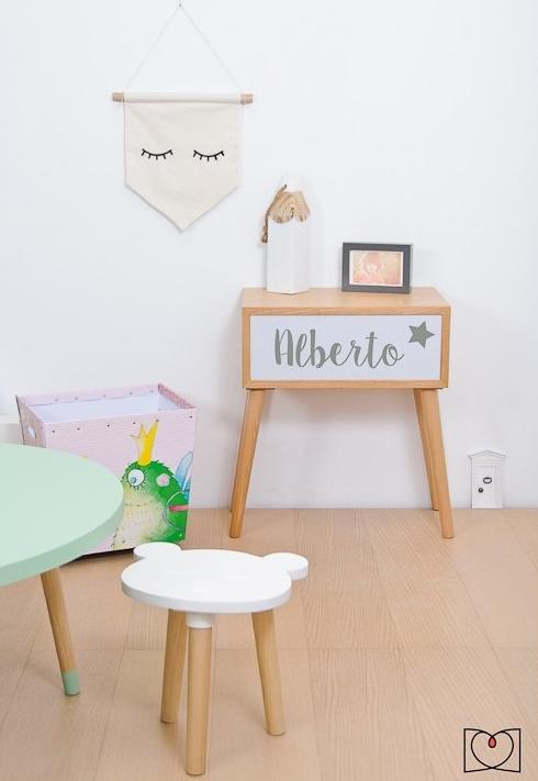 Organiza el escritorio de los más pequeños + inspiración-49557-estherruiz