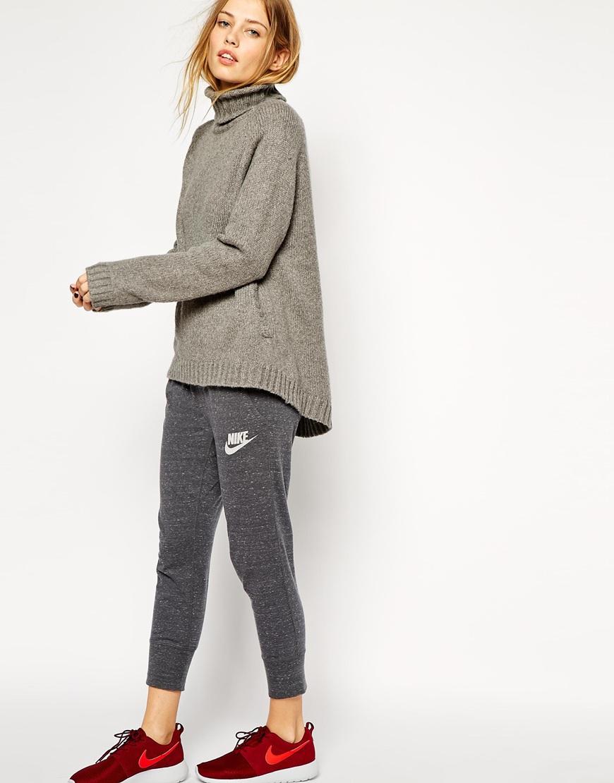asos-blog-pantalon-deportivo-gris-nike