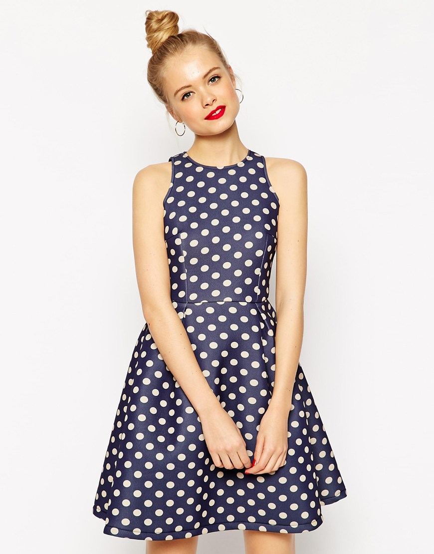 asos-primavera-2015-promocion-vestidos-lunares