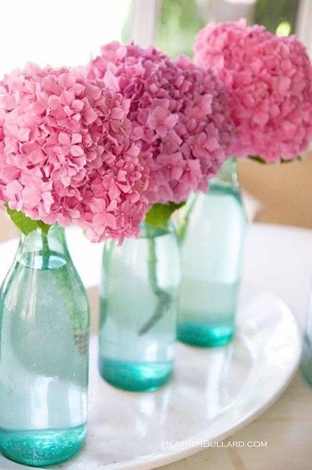 si hay una flor por excelencia que me vuelve loca es la hortensia me gustan en todos los colores aunque en mi boda fueron azules si hubiera sido ms