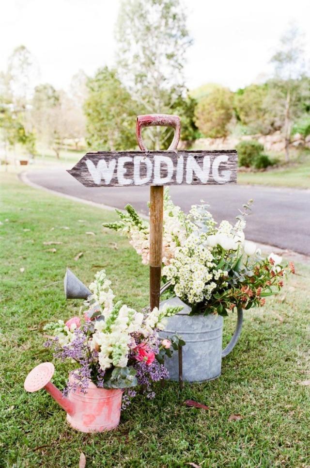 decorar con flores - regaderas - deco - bodas