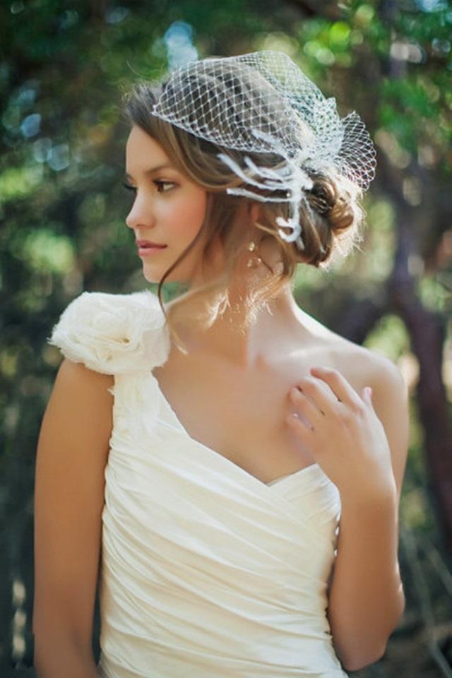 novias-con-tocado-fashion-bodas-novias007