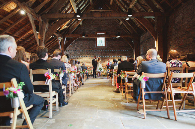UKbarn-wedding-09