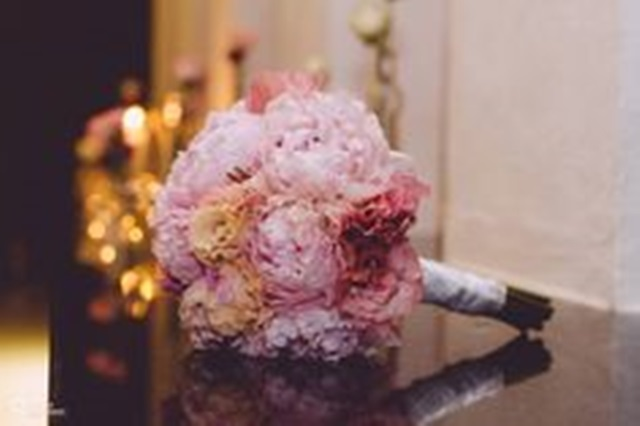 flowers-weddings-peonias_rosas-a_trendy_life005