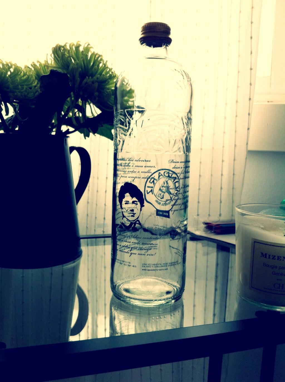 botella rosalía castro