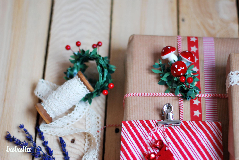 Empaquetar regalos de navidad de forma original empaquetar - Paquetes de regalo ...
