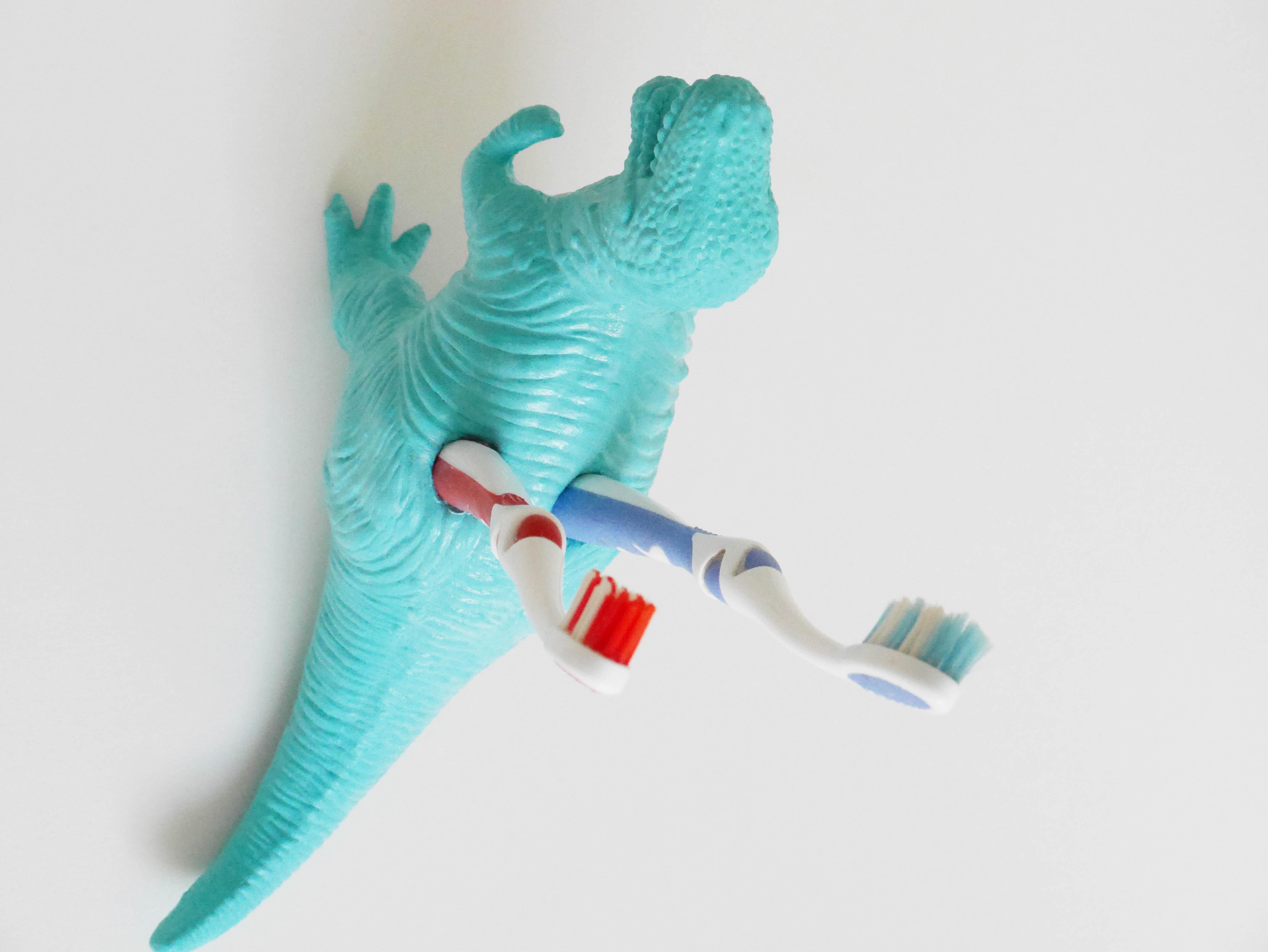 DIY_portacepillos_dinosaurio2