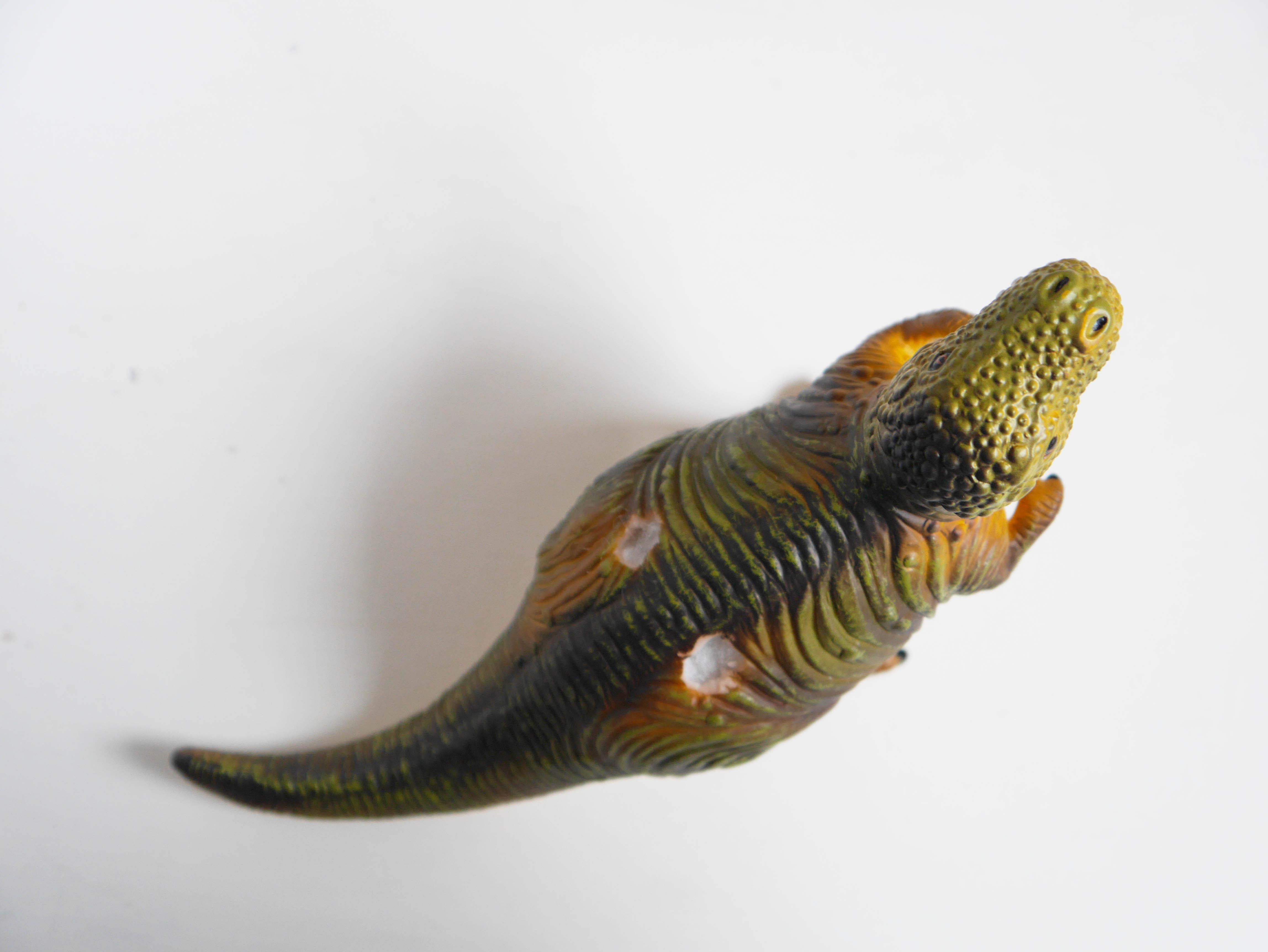 DIY_portacepillos_dinosaurio5