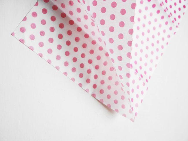 guirnalda de borlas de papel de seda