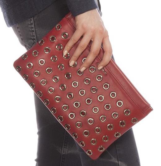 bolsos de fiesta. rojo con argollas de bdba