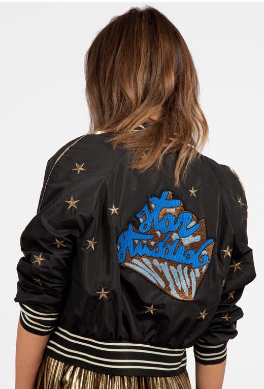 cazadora bomber estrellas bordadas