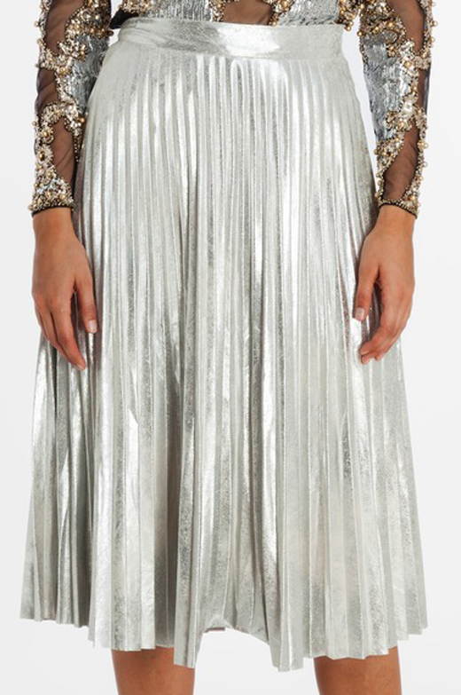 faldas midi, cómo combinarlas con bdba. Falda metalizada