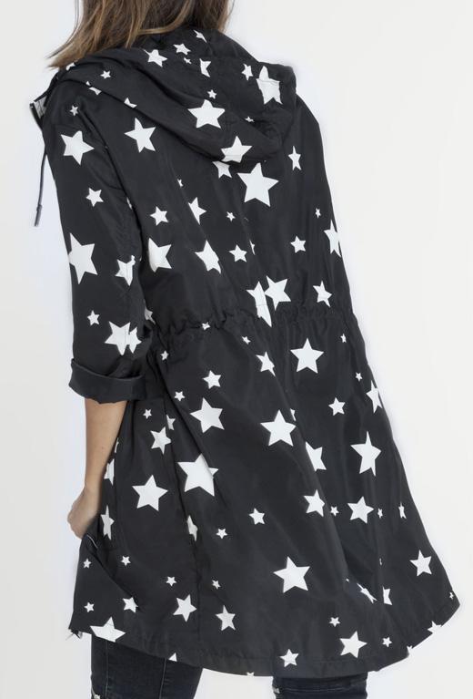 ropa con estrellas de bdba. Chubasquero