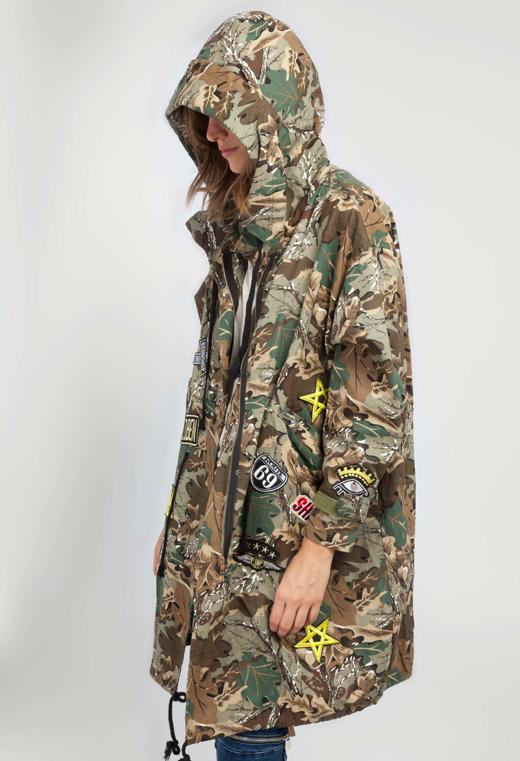 tendencias e otoño, estampado de camuflaje
