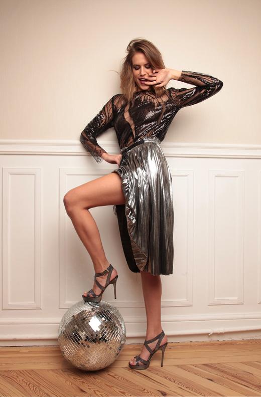 editorial de Navidad de BDBA. Faldas metalizadas