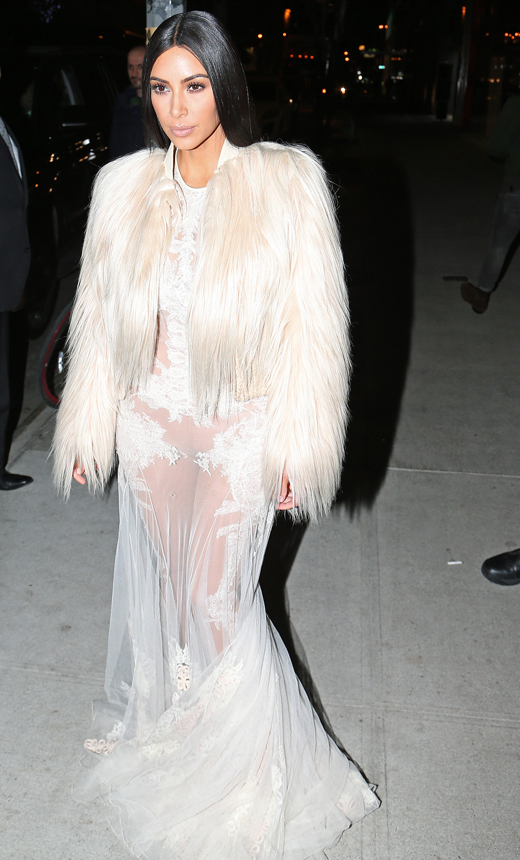 abrigo de pelo de BDBA. Kim Kardashian en Nueva York