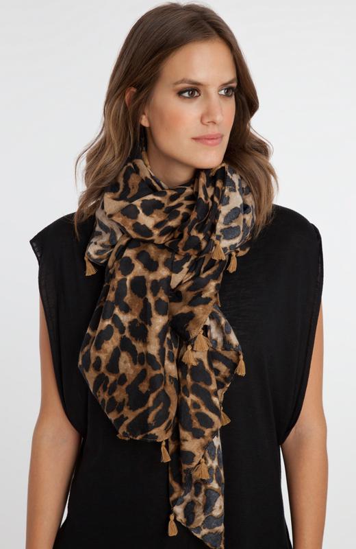 accesorios de moda para el frío con BDBA. Pañuelo animal print