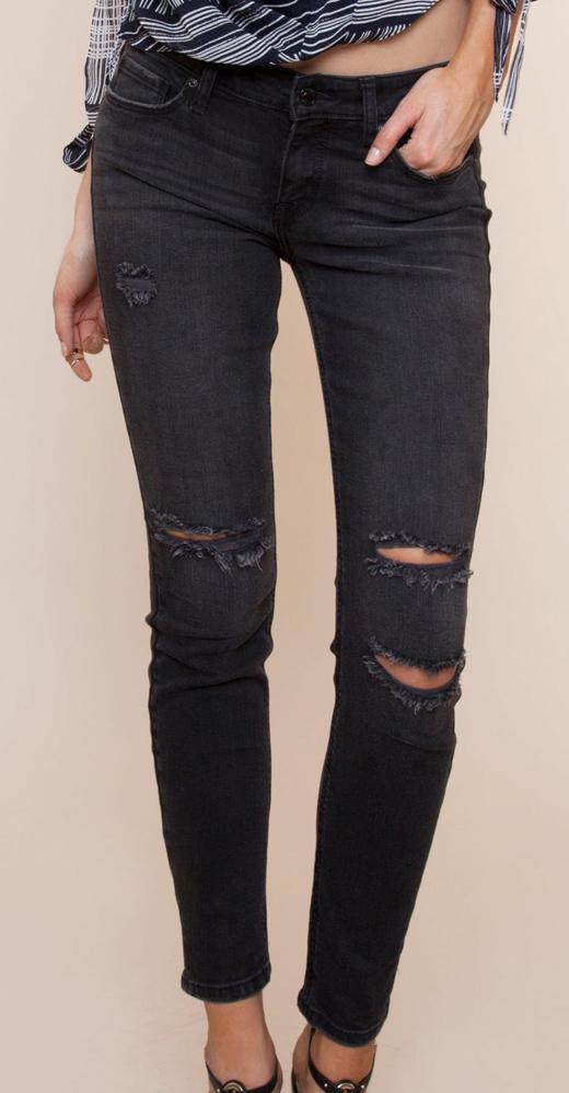 looks de entretiempo. jeans rotos