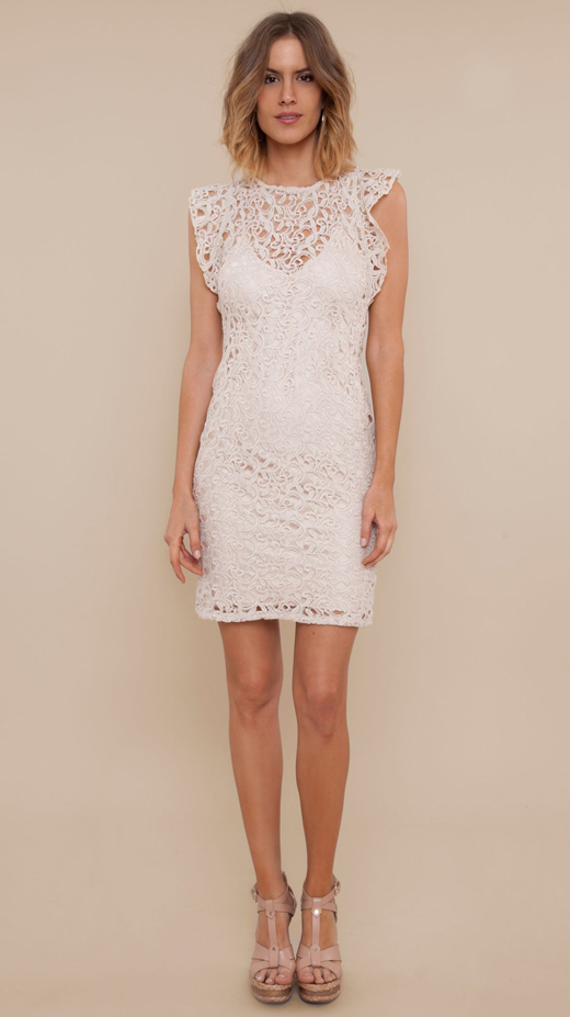 vestidos blancos. manga volante