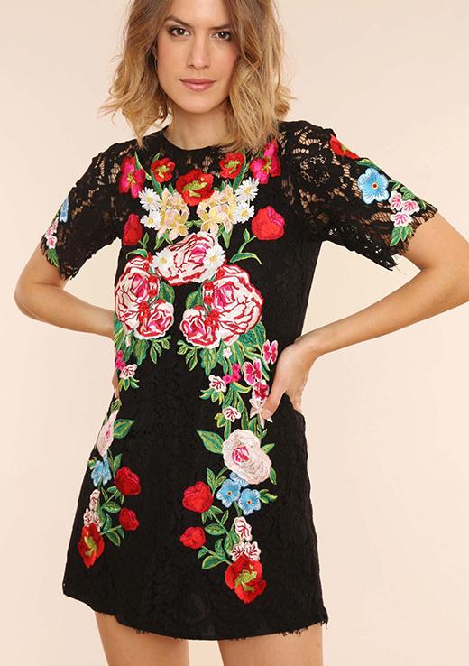vestido de flores de patricia montero en BDBA. NEGRO