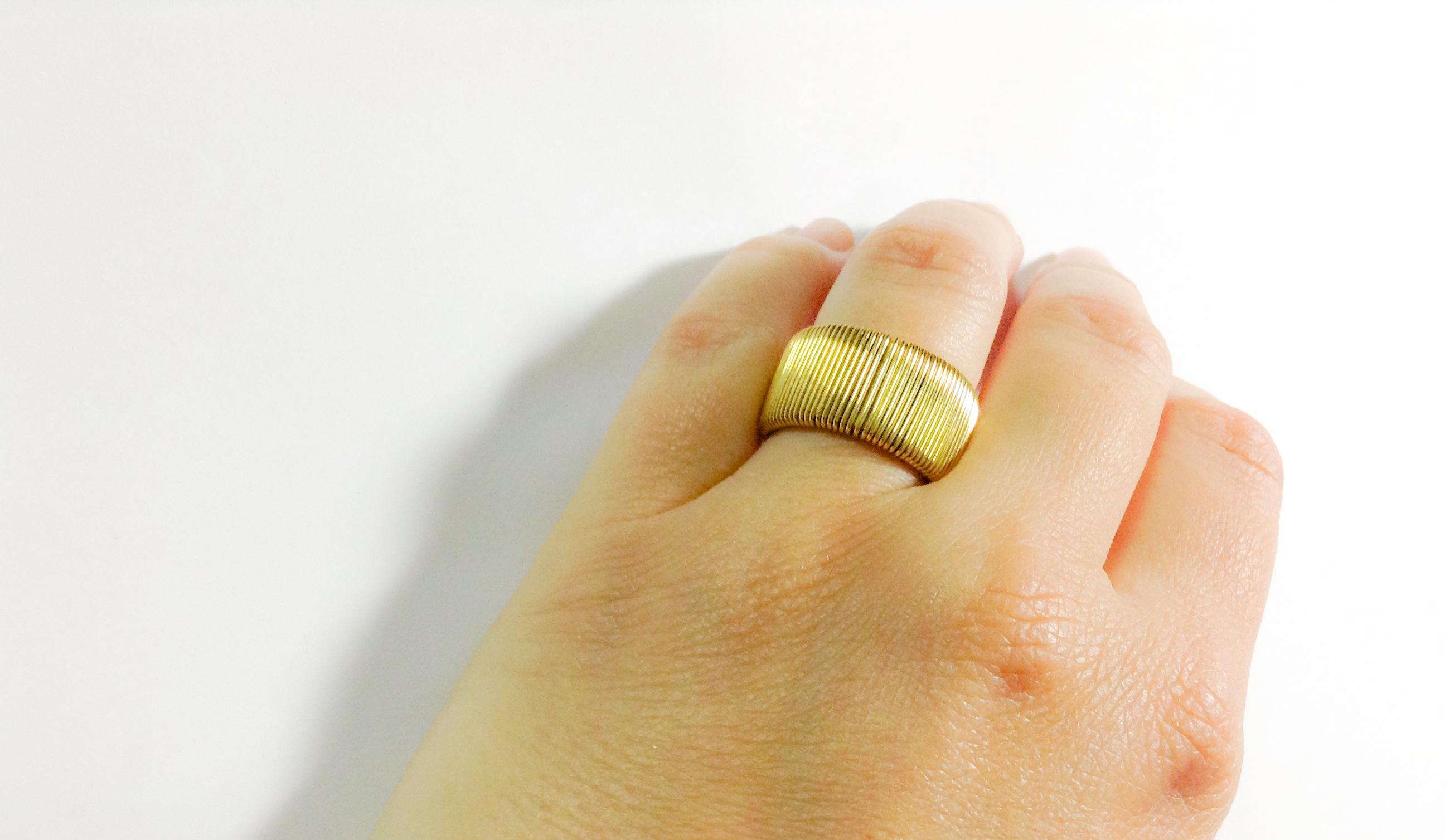 anillo cuco mano