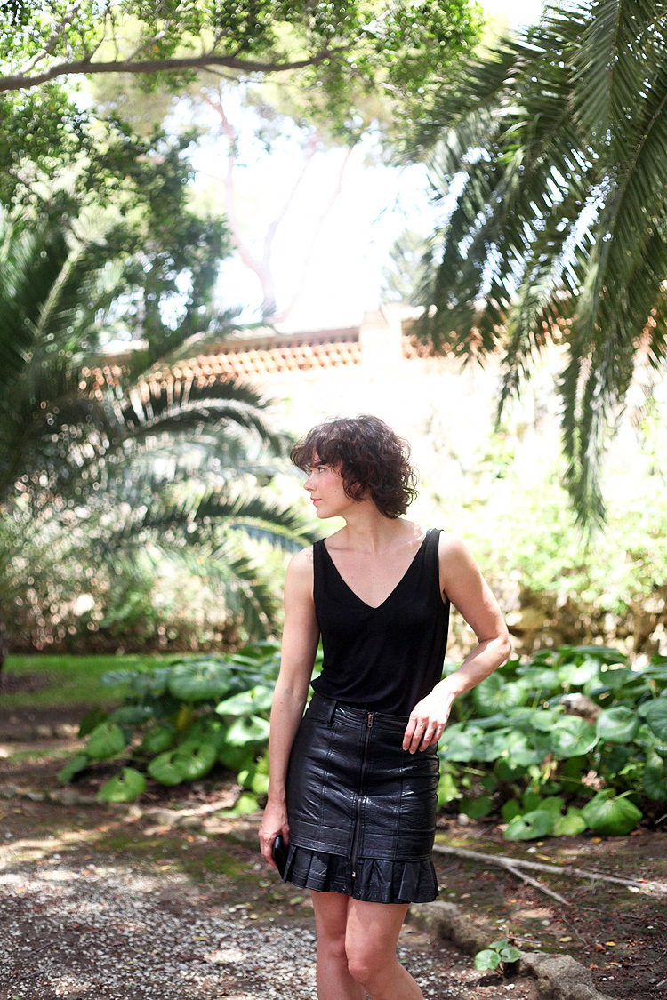 total_look_black-mini_leather_skirt-vintage-checosa07