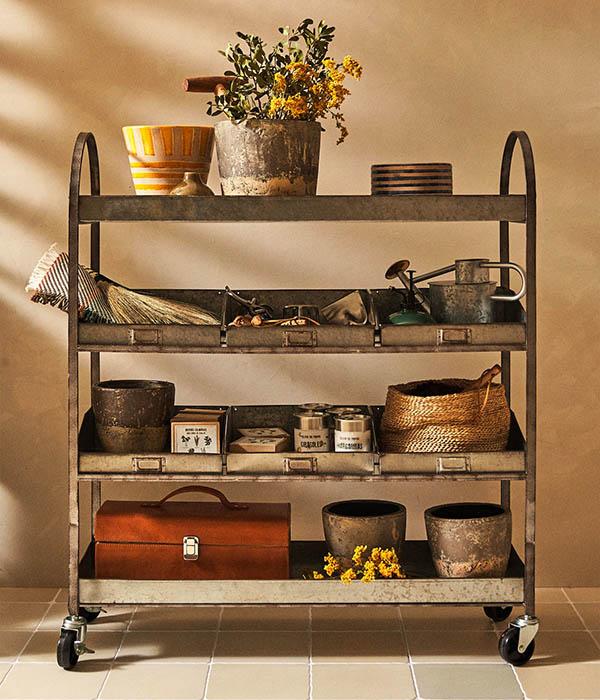 Mueble de ruedas galvanizado de Garden Collection de Zara Home