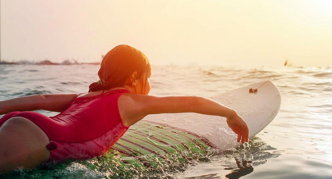 deportes acuáticos para niños surf