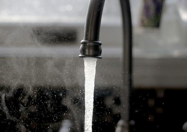 Con estos consejos lograrás gastar menos agua en casa