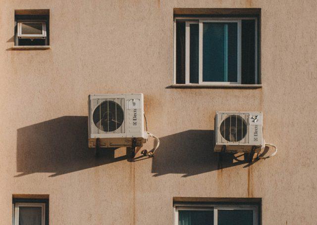 Cómo ahorrar en aire acondicionado sin pasar calor