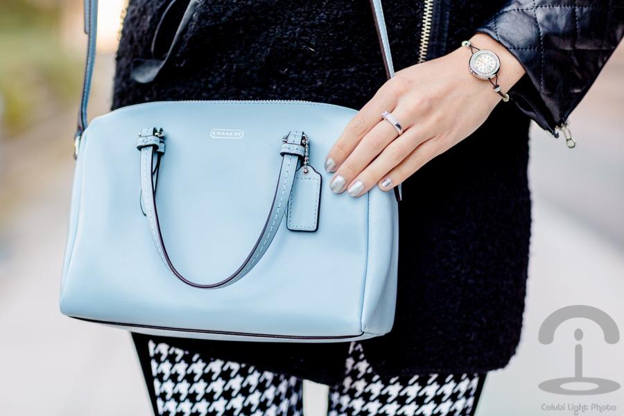 Detalles azul celeste Crimenes de la Moda