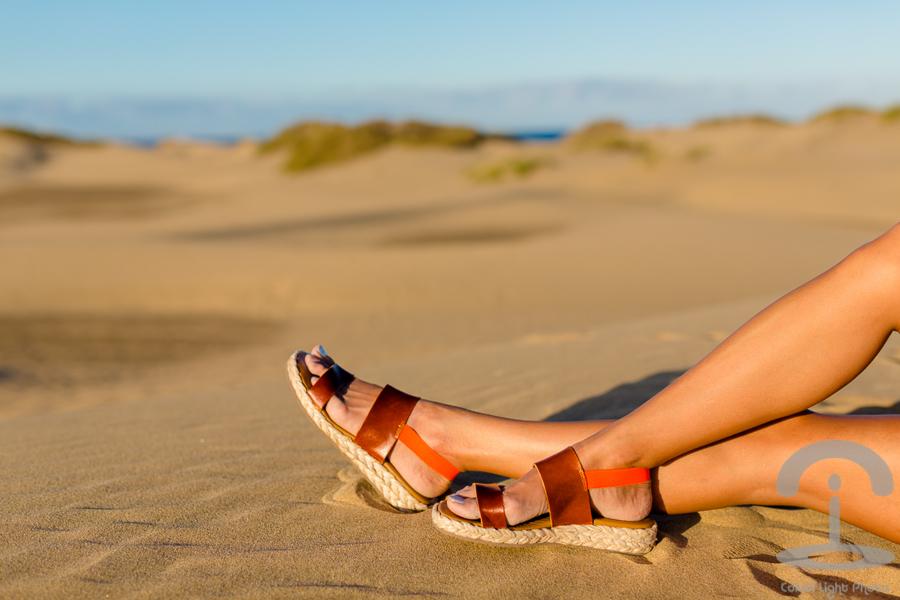 Dunas de Maspalomas Crimenes de la Moda Neon Boots Pepita Perez Canarias