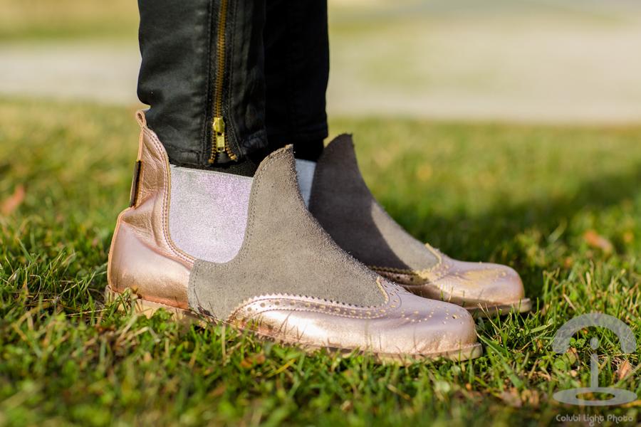 Abrigo de pelo rosa Neon Boots Crimenes de la Moda