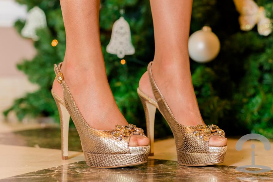 Look para Nochebuena Crimenes de la Moda vestido de lentejuelas dorado