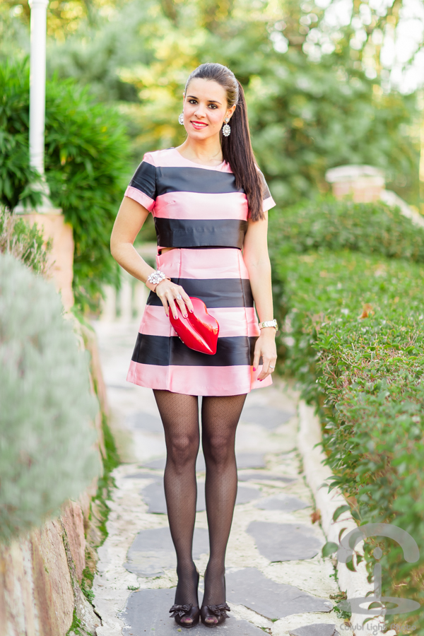 Vestido rosa rayas Dresseos Lulu Guinness Crimenes de la Moda
