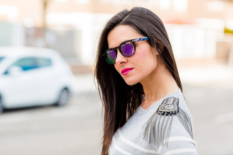 DIY Jersey con hombreras con cadenas custom sweater Crimenes de la Moda