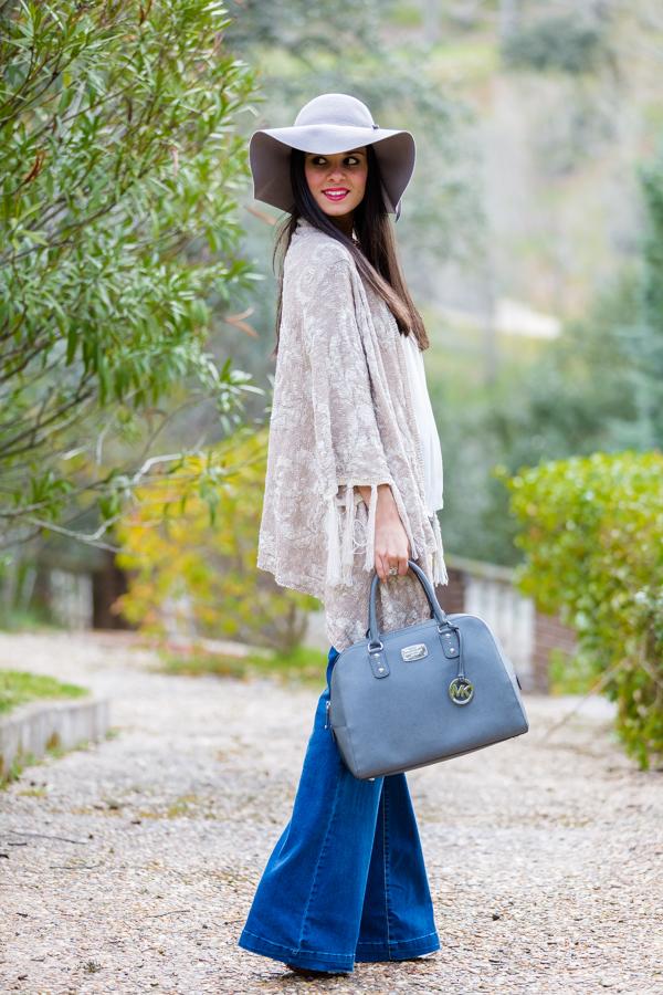 Look seventies setentero 70s pantalones campana chaqueta flecos Crimenes de la Moda