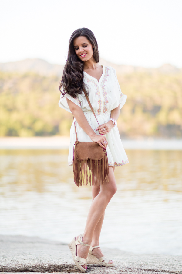 Shirt dress vestido camisero bolso de flecos ante Zara Crimenes de la Moda