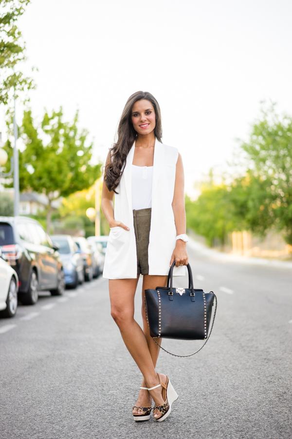 Valentino Rockstud tote black Bolso negro con tachuelas Miss Guided Crimenes de la Moda