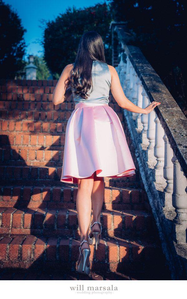 Look de invitada falda midi skirt boda Dresseos Crimenes de la Moda Will Marsala Amimera