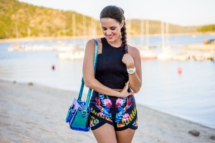 Tropical shorts crop top summer look de verano Crimenes de la Moda