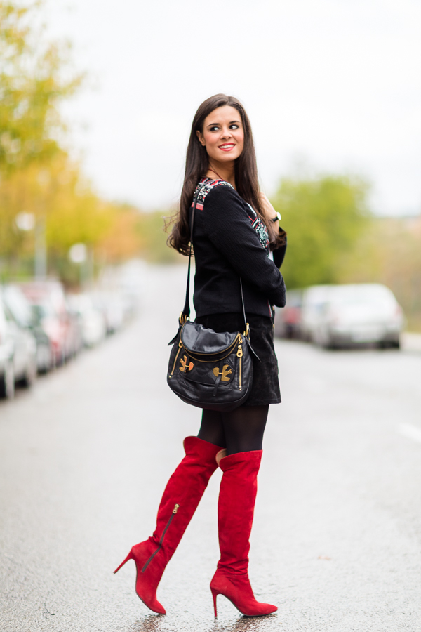 Red boots botas rojas Pedro Miralles chaqueta étnica ethnic jacket bolso Marc by Marc Jacobs bag Crimenes de la Moda
