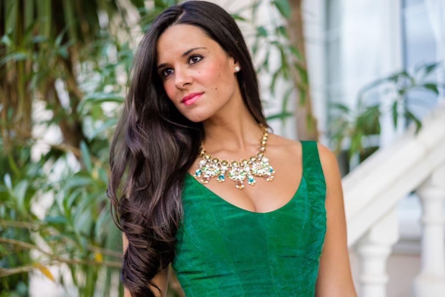Nihil Obstat Emerald Dress vestido verde esmeralda look de invitada boda de tarde octubre Crimenes de la Moda