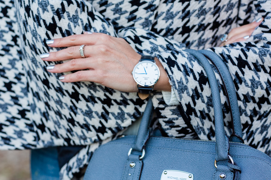 Houndstooth cape capa pata de gallo reloj Daniel Wellington bolso gris Michael Kors grey bag Crimenes de la Moda