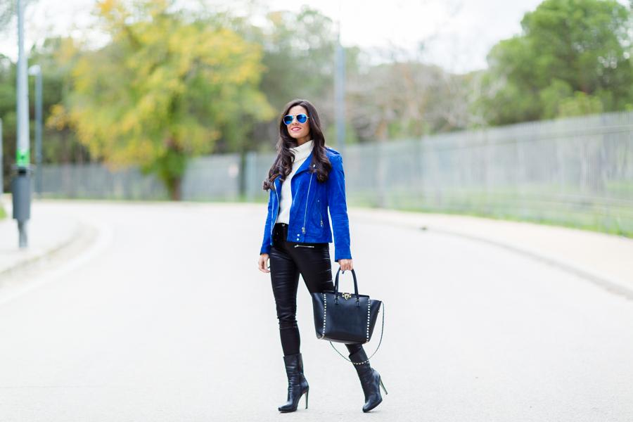 Blue Biker Jacket cazadora de ante azul bolso rockstud Valentino bag Crimenes de la Moda