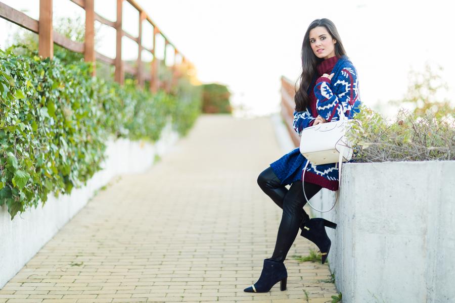 Cozy look cardigan knitwear le pliage Heritage Longchamp bag botines Pedro Miralles boots Crímenes de la Moda blog